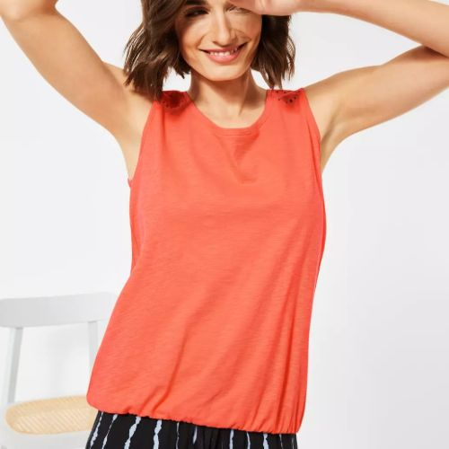 Sleeveless Top With Embroidery Design